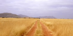 namibian-red-dirt-road